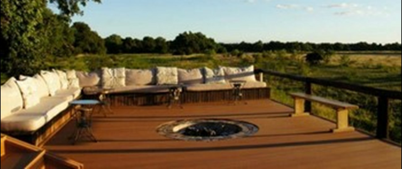 Chikwenya_safari_lodge003.jpg