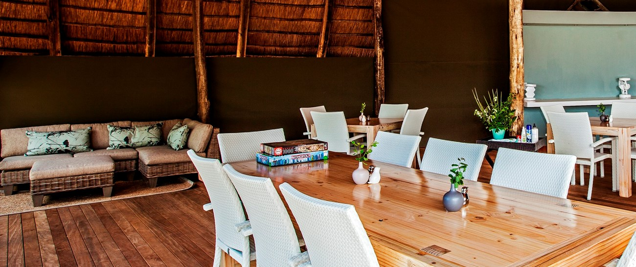 Victoria_Falls_river_lodge003.jpg