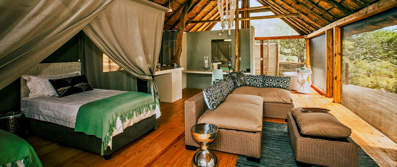 Victoria_Falls_river_lodge002.jpg