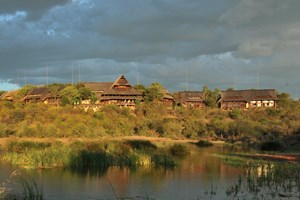 Victoria_Falls_safari_lodge006.JPG